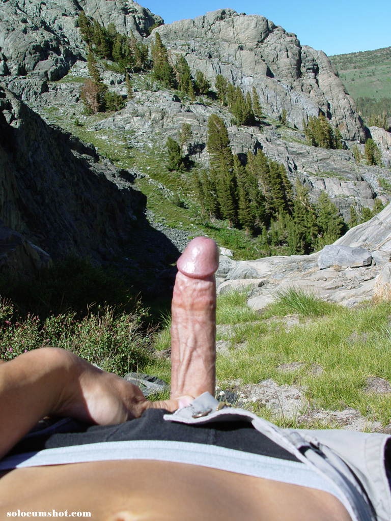 gay outdoor jerking off