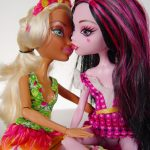 Slut dolls kissing