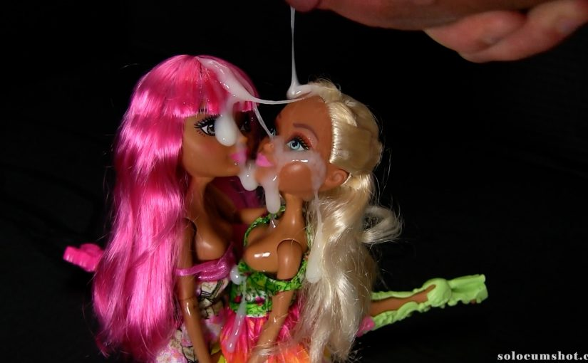 Doll cumshot threesome at Ever After High